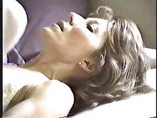 尿布色情影片他妈的一位朋友的我的妻子业余的金发女郎xxx