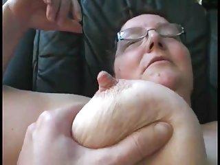 免费的胖乎乎的女孩流色情视频兼在奶奶自制的